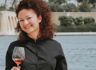Ines Alcivar – Vinoteca Numero Primo Brindisi